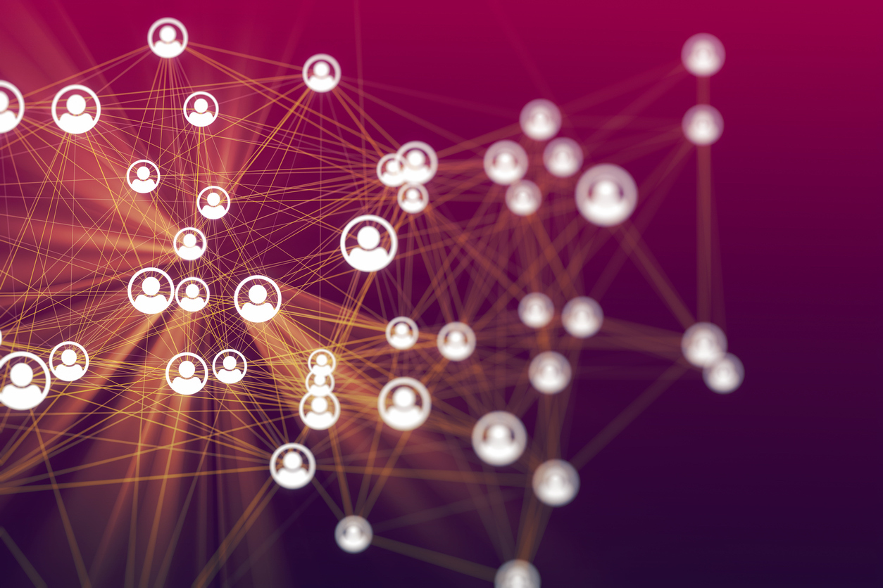 People in reorganisation connected in cyberspace